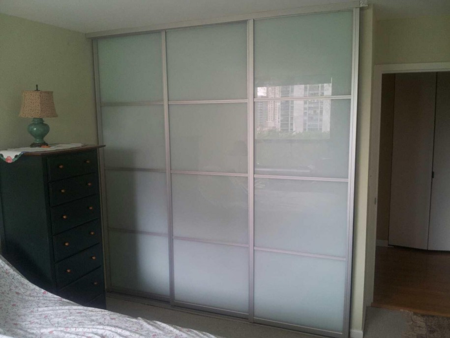 on 3 panel sliding closet doors frosted gl