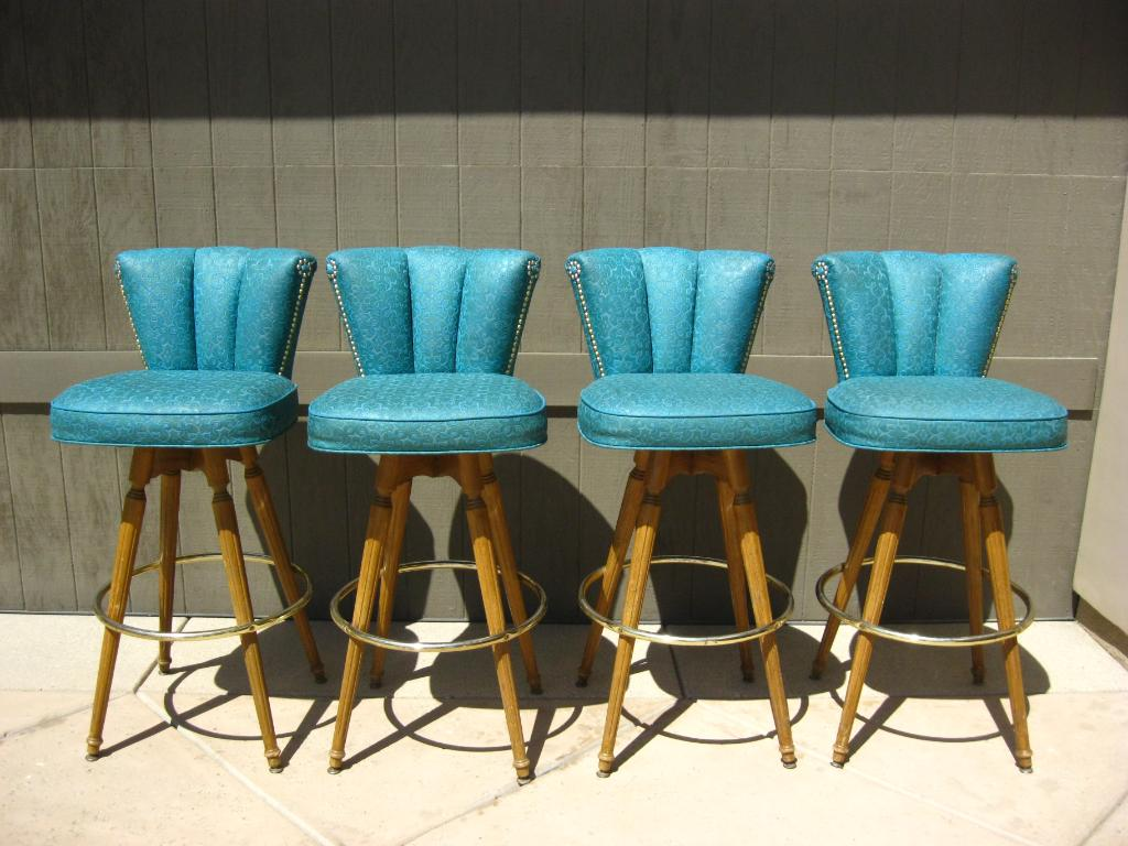 Picture of: Comfortable Mid Century Modern Bar Stools Royals Courage Mid Century Modern Bar Stools