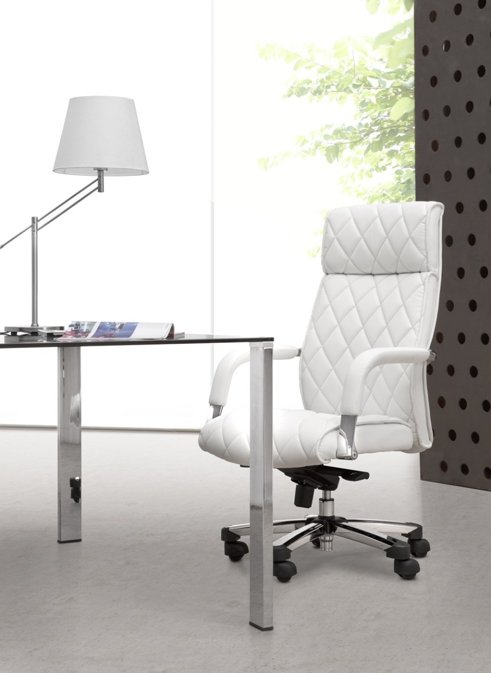 Luxury White Leather Office Chair | Royals Courage : To ...