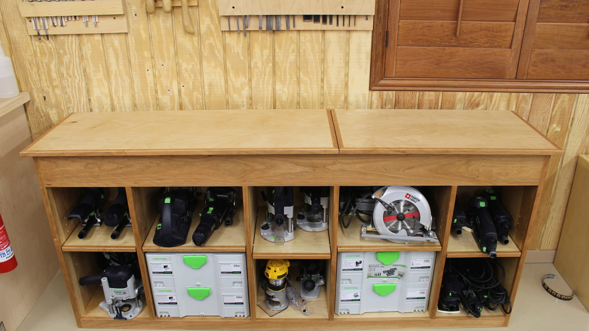Choosing Out Your Tool Storage Cabinets Royals Courage