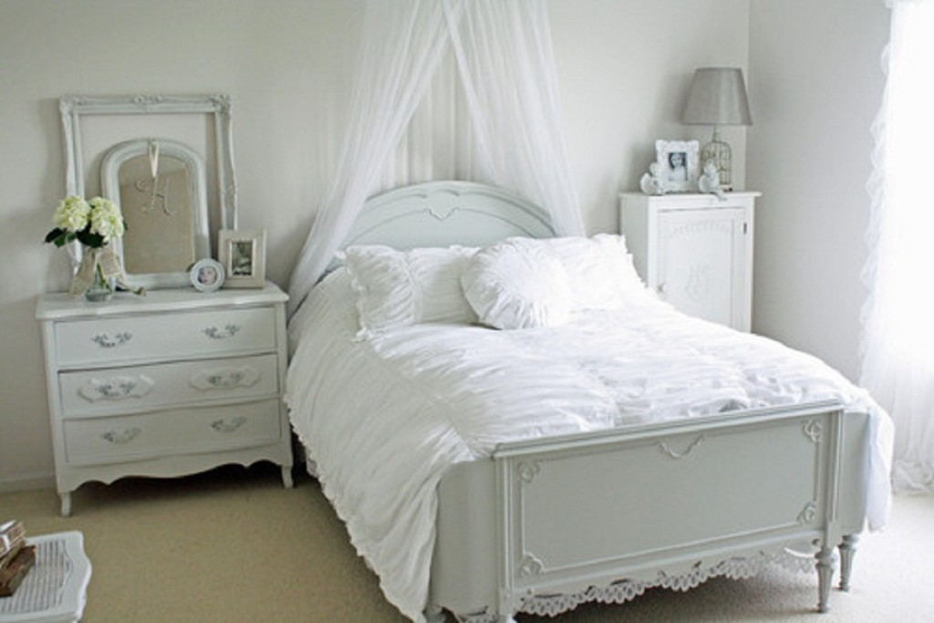 Vintage Bedroom Furniture White | Royals Courage : Selecting ...
