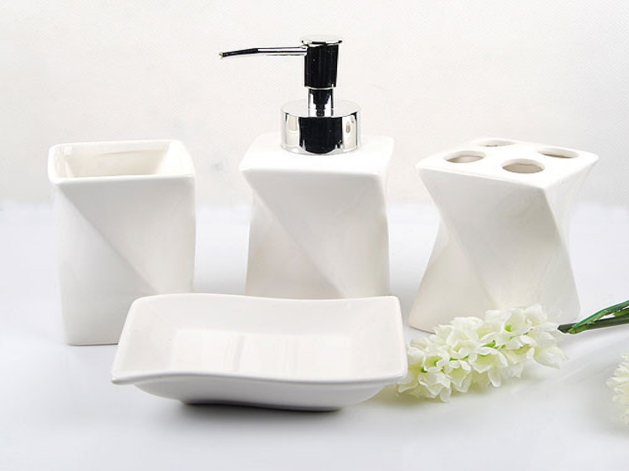 White Bathroom Accessories Sets