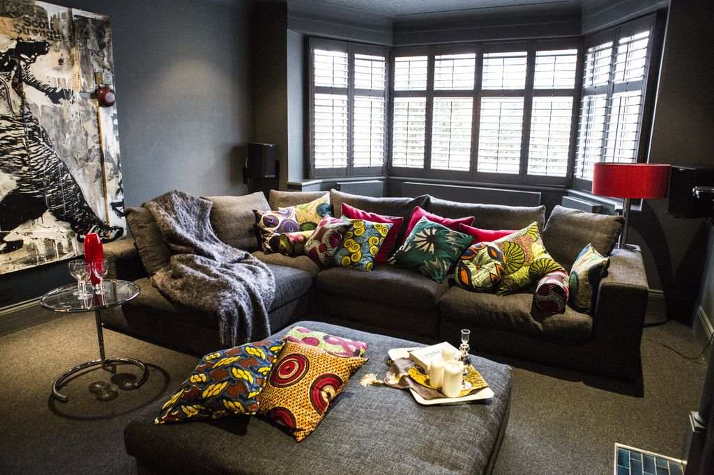 African Decor Living Room | Royals Courage : African Home ...