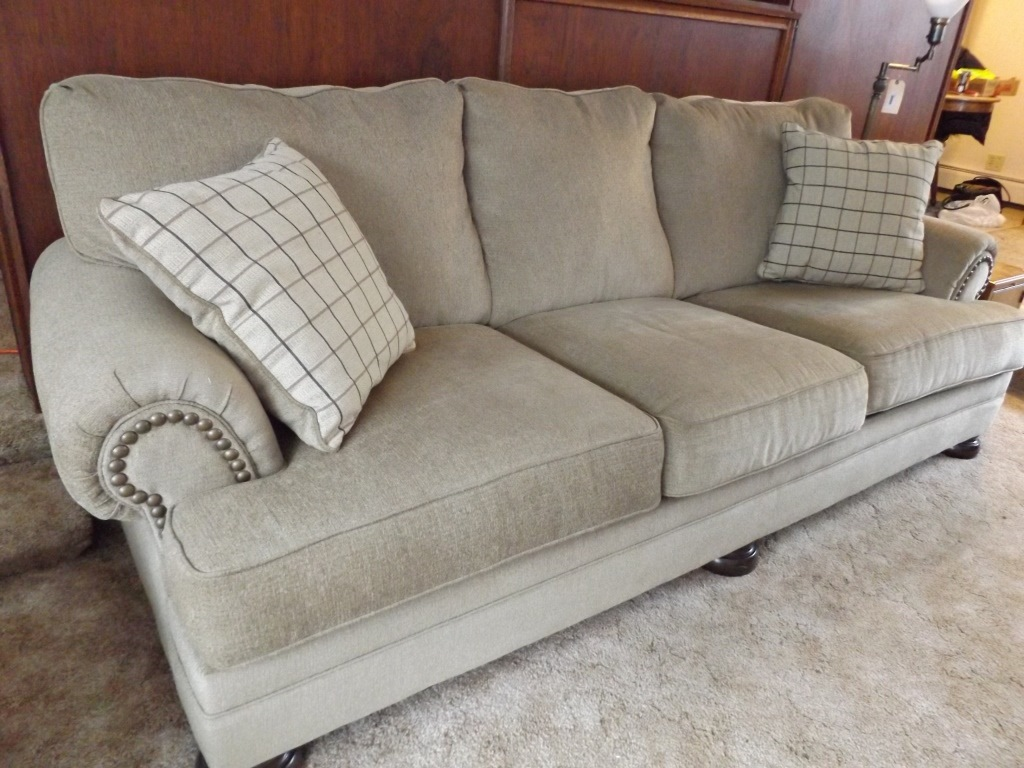 Nice Couch Pillows Royals Courage How You Can Hold