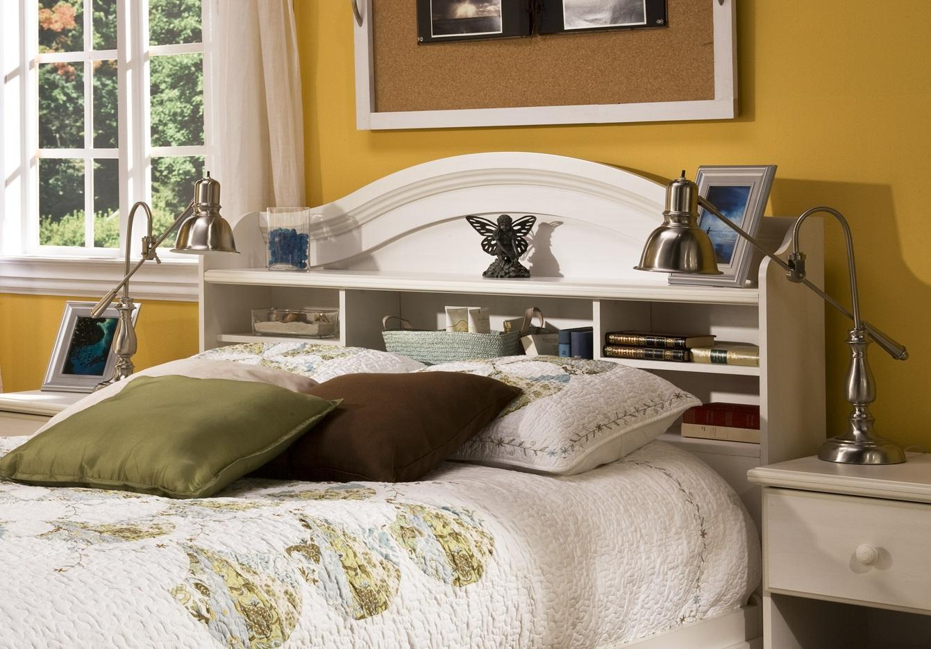 Picture of: King Bookcase Headboard Royals Courage Bookcase Headboard King Design Concepts