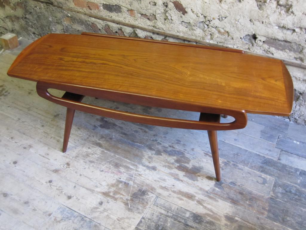 Image of: Mid Century Modern End Table Royals Courage Design Points Of Mid Century Coffee Table