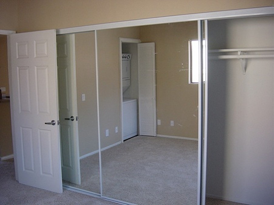 Mirror Sliding Door Royals Courage