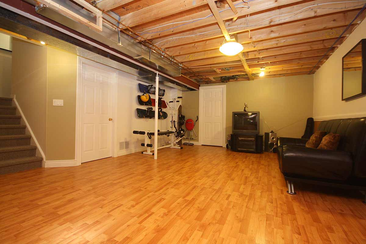 Image of: Paint Concrete Basement Floor Do It Yourself Royals Courage Good Look Of Polished And Painted Concrete Floors