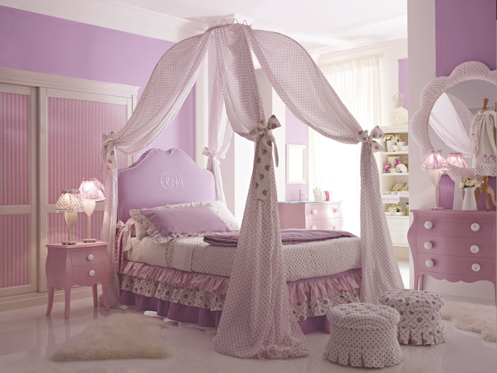 Pretty Princess Toddler Bed With Canopy Royals Courage Very Female And Candy Princess Canopy Bed