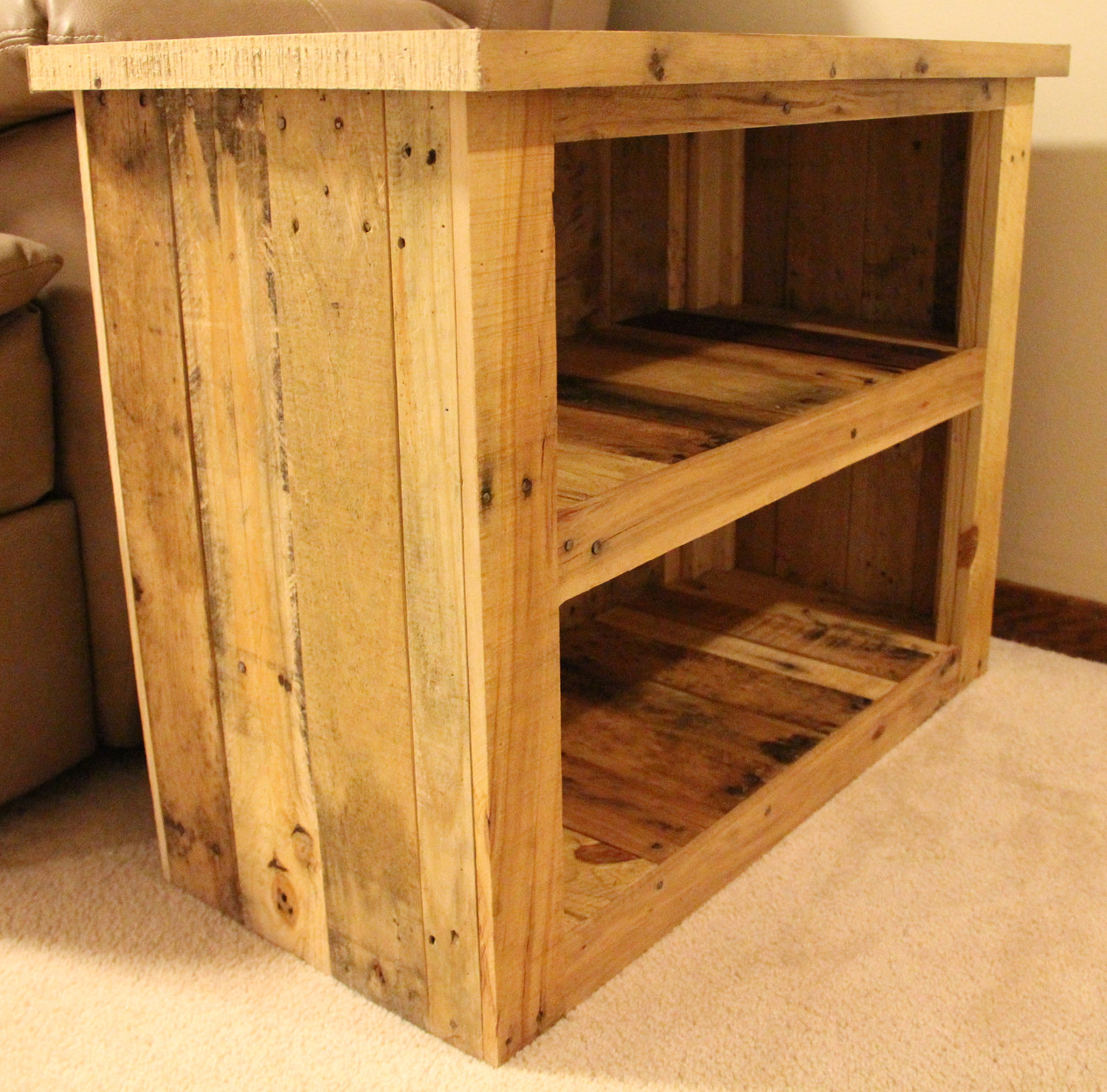 Create Lovely Reclaimed Wood Side Table Royals Courage