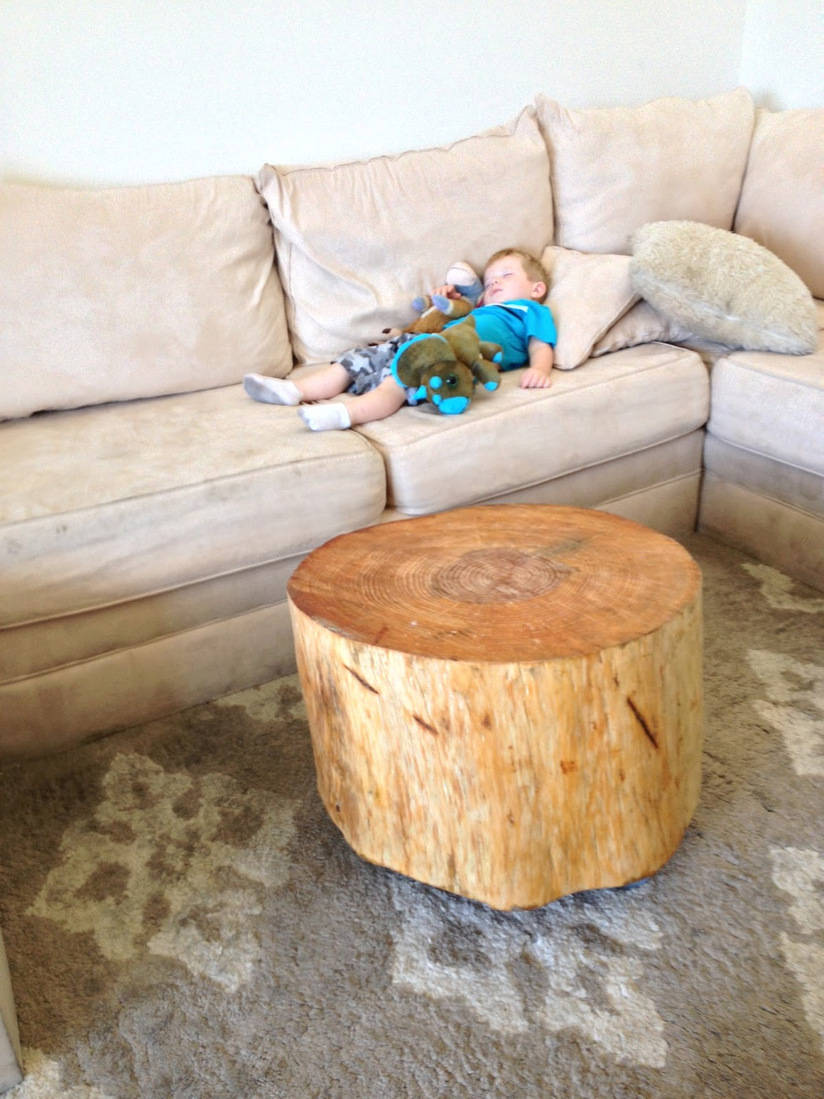 Tendencies Tree Stump Coffee Table Royals Courage