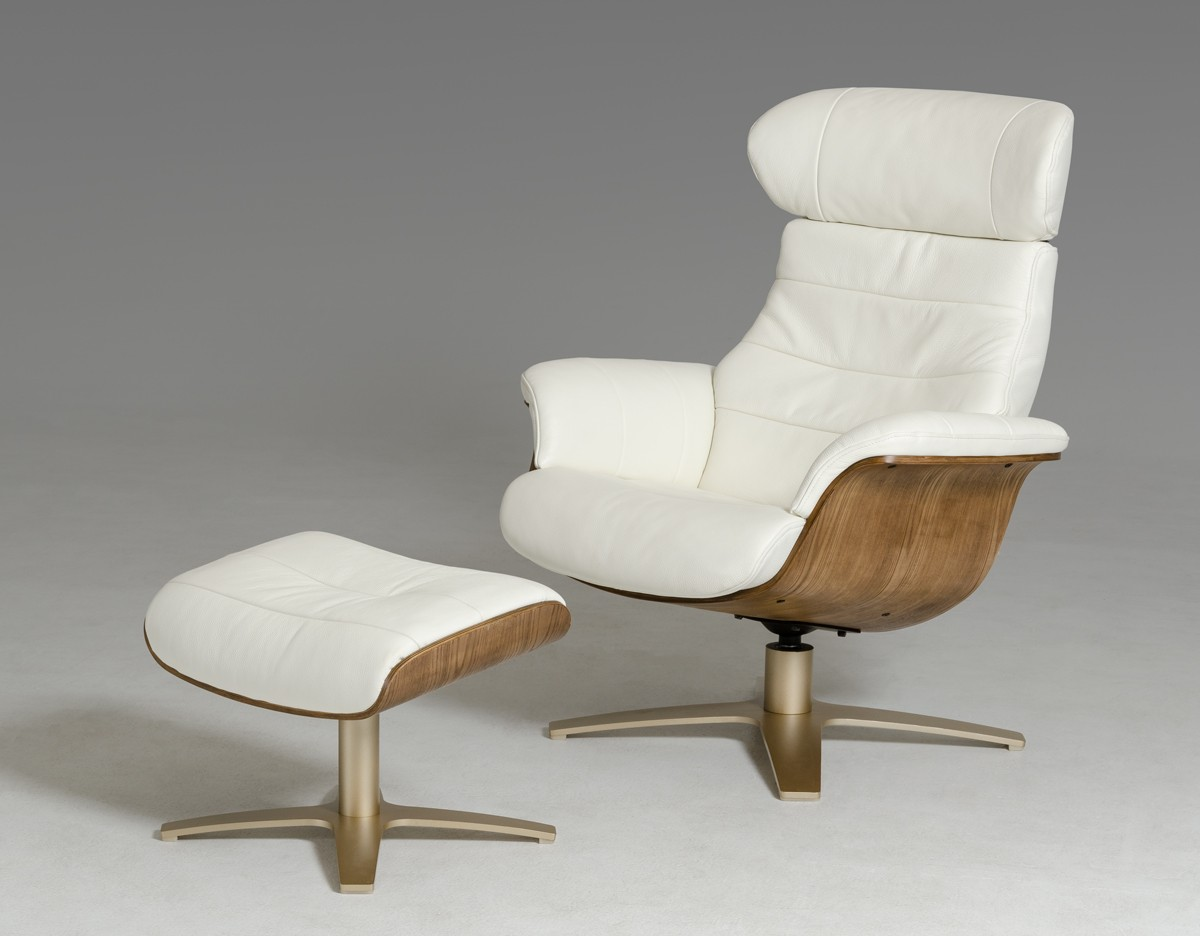 Image of: How One Can Clear White Leather Office Chair Royals Courage
